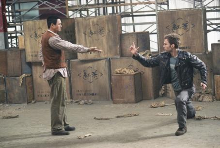 Seann William Scott The Monk (Chow Yun Fat) teaches Kar () how to better defend himself