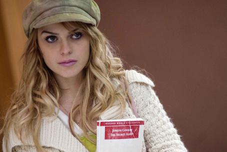 Taryn Manning  (Jill) in JACK AND JILL VS THE WORLD courtesy of Empera Pictures.
