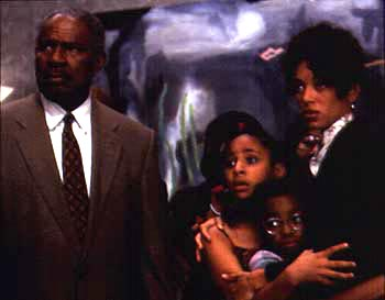 Kristen Wilson Ossie Davis, Raven Symone, Kyla Pratt and  in 20th Century Fox's Dr Dolittle - 1998