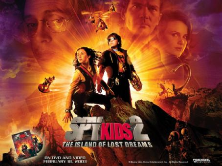Carmen Cortez Alexa Vega and Daryl Sabara in Dimension's Spy Kids 2: The Island of Lost Dreams - 2002