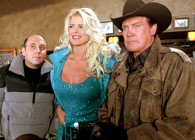 Willie Garson , Victoria Silvstedt and Lee Majors in Touchstone's Out Cold - 2001