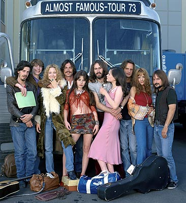Penny Lane Posing in front of the Stillwater tour bus are Dick Roswell (Noah Taylor), William Miller (Patrick Fugit),  (Kate Hudson), Russell Hammond (Billy Crudup), Sapphire (Fairuza Balk), Jeff Bebe (Jason Lee), Polexia (Anna Paquin), Larry Fellows (Mark