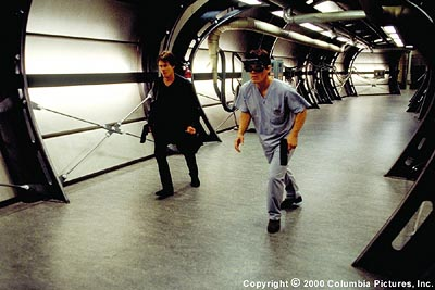 Hollow Man Colleagues Sebastian Caine (Kevin Bacon, left) and Matthew Kensington (Josh Brolin) explore a dangerous and sinister world in Columbia's  - 2000