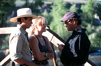 Lou Diamond Phillips , Dina Meyer and director Louis Morneau on the set of BATS - 10/99