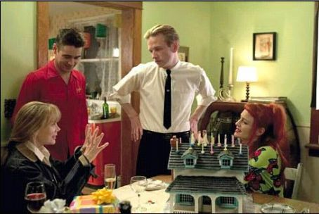 Sissy Spacek , Colin Farrell, Dallas Roberts and Robin Wright Penn in A Home at the End of the World - 2004