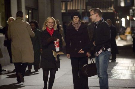 Amy Poehler AMY POEHLER, TINA FEYand writerdirector MICHAEL MCCULLERS on the set.