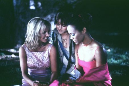 Taryn Manning Britney Spears as Lucy,  as Mimi and Zoe Saldana as Kit in Paramount's Crossroads - 2002