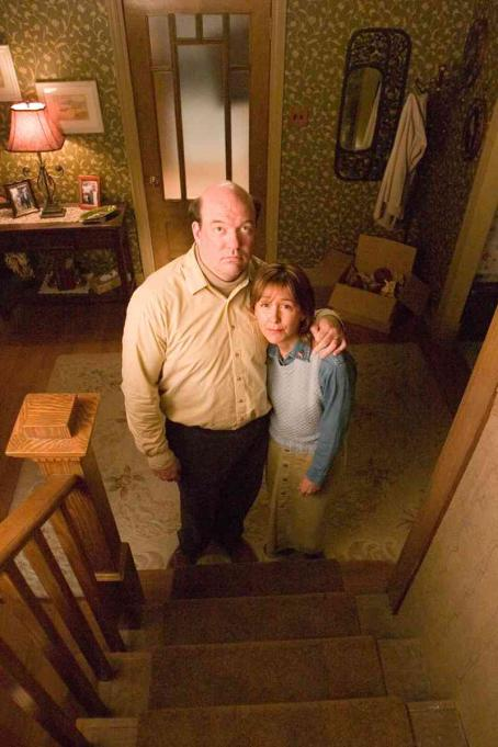 "John Carroll Lynch  (left) stars as ""Dad"" and Cynthia Stevenson (right) stars as ""Mom"" in New Line Cinema's FULL OF IT. Photo Credit: ©2007 Allen Fraser/New Line Cinema"