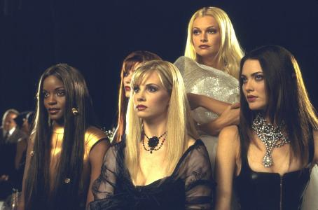 Ivana Milicevic Tomiko Fraser, , Monica Potter, Sarah O'Hare and Shalom Harlow in Universal's Head Over Heels - 2001