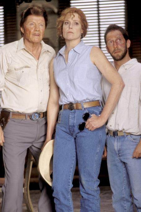 Tim Blake Nelson The three counselors of Camp Green Lake – Mr. Sir (Jon Voight, left), The Warden (Sigourney Weaver, center) and Dr. Pendanski (, right) – look a little worse for wear