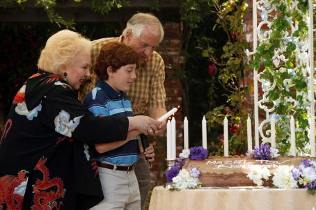 Garry Marshall Doris Roberts as Rose Fiedler, Daryl Sabara as Benjamin Fiedler,  as Irwin Fiedler in Miramax Films' Keeping Up With The Steins - 2006. Photo credit: Michael Yarish
