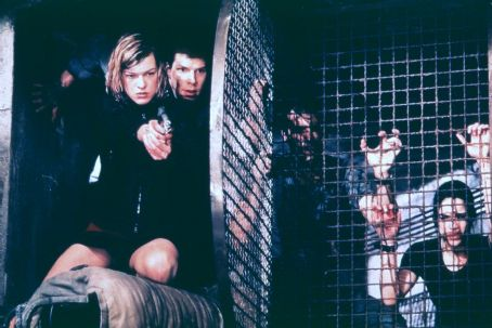 James Purefoy Milla Jovovich, Eric Mabius,  and Michelle Rodriguez in Screen Gems' Resident Evil - 2002