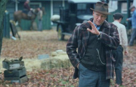 Seabiscuit Chris Cooper stars as Tom Smith in .