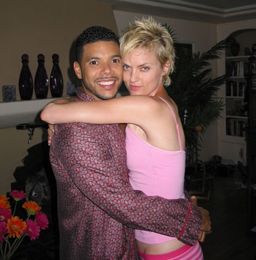 Coffee Date Wilson Cruz and Elaine Hendrix behind the scene of .
