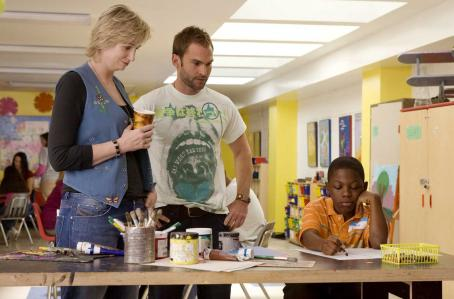 Jane Lynch , Seann William Scott and Bobb'e J. Thompson play as Gayle, Wheeler and Ronnie in the scene of Universal Pictures' Role Models.