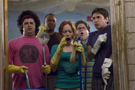 Jonah Hill (L to R) Glen (Adam Herschman), Hands (Columbus Short), Rory (Maria Thayer), Schrader () and B (Justin Long) in Accepted.