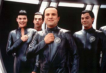 Enrico Colantoni The Thermians - Missi Pyle, Patrick Breen,  and Jed Rees in Dreamworks' Galaxy Quest - 12/99