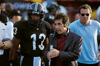 Jamie Foxx , Al Pacino and Dennis Quaid in Warner Brothers' Any Given Sunday - 12/99