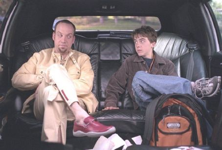 Frankie Muniz Paul Giamatti and  in Univeral's Big Fat Liar - 2002