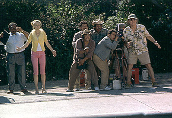 Bowfinger Heather Graham, Steve Martin and his film crew scramble to get the right shot