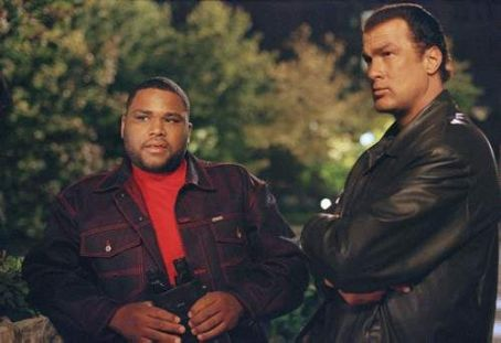 Anthony Anderson  and Steven Seagal in Warner Brothers' Exit Wounds - 2001
