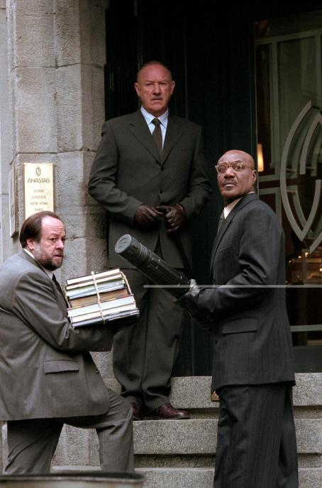 Gene Hackman Ricky Jay,  and Delroy Lindo in Warner Brothers' Heist - 2001