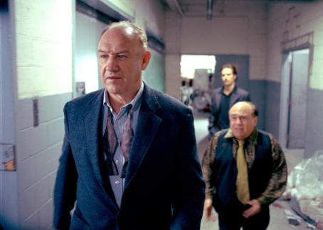 Gene Hackman , Danny DeVito and Sam Rockwell in Warner Brothers' Heist - 2001