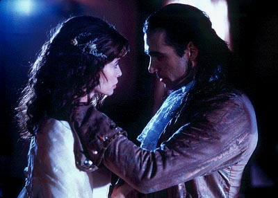 Lisa Barbuscia and Adrian Paul in Dimension's Highlander: Endgame - 2000