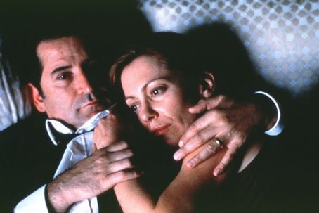 Lantana Anthony LaPaglia as Leon and Kerry Armstrong as Sonja in Lions Gate's  - 2001