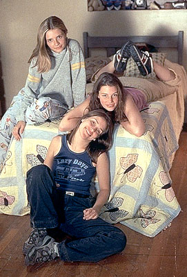 Lost and Delirious Mischa Barton, Jessica Pare and Piper Perabo in Lions Gate's  - 2001