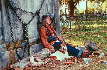 Frankie Muniz  and Skip in Warner Brothers' My Dog Skip (12/99)