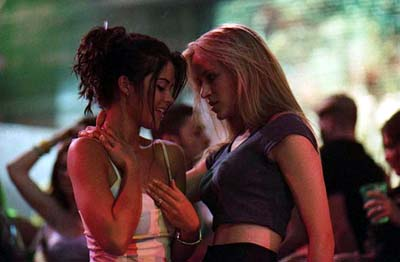 The In Crowd Susan Ward and Lori Heuring in Warner Brothers'  - 2000