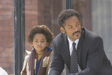 Jaden Smith Christopher () and Christopher Gardner (Will Smith) in Sony Pictures Entertainment and Columbia Pictures' The Pursuit of Happyness - 2006