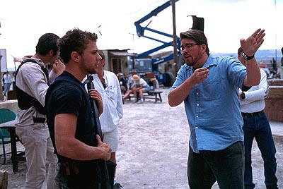 The Way of the Gun Ryan Phillippe and director Christopher McQuarrie on the set of Artisan's The Way Of The Gun - 2000