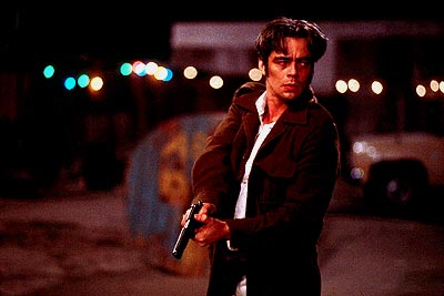 The Way of the Gun Benicio Del Toro as Longbaugh in Artisan's The Way Of The Gun - 2000