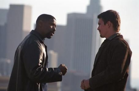 Training Day Denzel Washington and Ethan Hawke in Warner Brothers'  - 2001