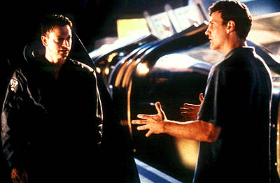 Gary Sinise  and director Gary Fleder on the set of Dimension's Impostor - 2002