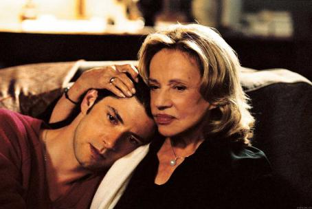Melvil Poupaud  as Romain and Jeanne Moreau as Laura in Strand Releasing, Time to Leave - 2006
