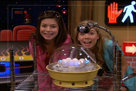 iCarly Carly Simon Smiling Eggs