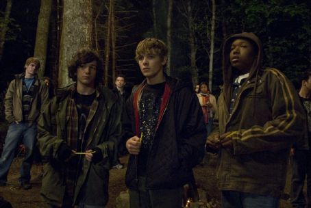 John Magaro (L to R, center) Friends Alex (JOHN MAGARO), Bug (MAX THIERIOT) and Jerome (DENZEL WHITAKER) sense a killer is near in the latest suspense thriller from writer/director Wes Craven—25/8. Credit: Nicole Rivelli
