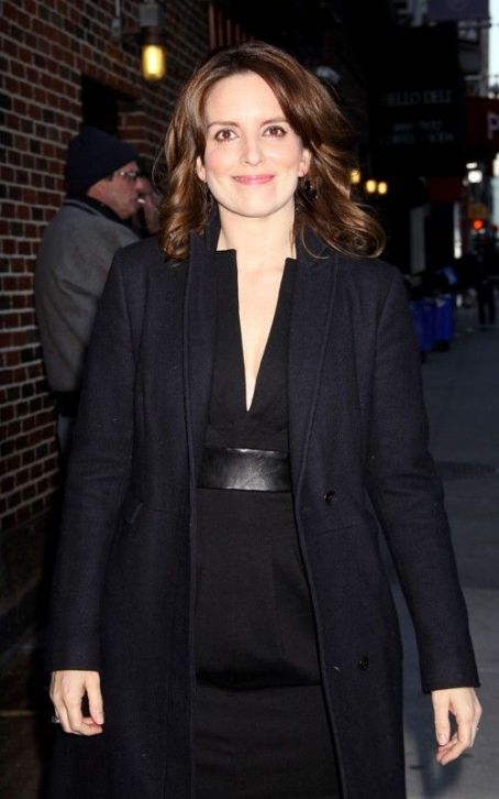 "Tina Fey Has a Smashing Good Time at the ""Late Show"""