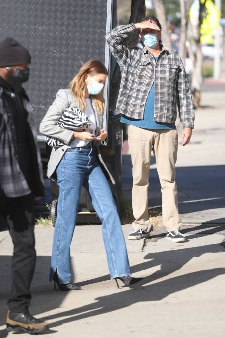Hailey Bieber – arrives at a film set in West Hollywood