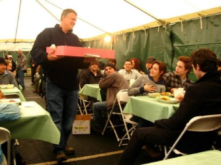 Kristen Stewart's 18th Birthday on Twilight Set 2008