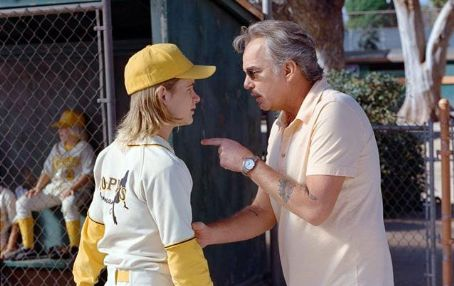 Morris Buttermaker Jeff Davies as Kelly Leak and Billy Bob Thornton as Buttermaker in Richard Linklater's BAD NEWS BEARS, Paramount Pictures release. © 2005