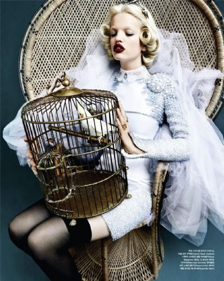 Daphne Groeneveld Vogue Korea April 2012