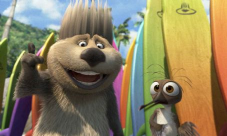 Surf's Up Reggie (voiced by James Woods, left) and Mikey (voiced by Mario Cantone, right) in Columbia Pictures/Sony Pictures Animation's Surf's Up.