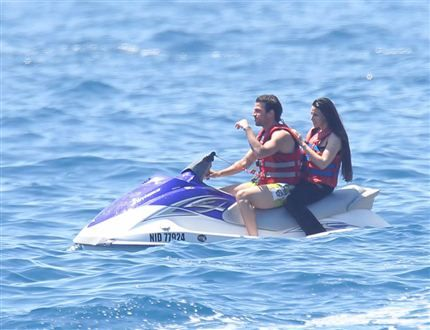 Cesc Fàbregas - Cesc Fabregas and Daniella Seeman in Côte d'Azur, France