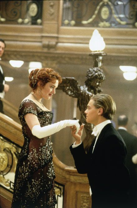 Leonardo Decaprio - KATE AND LEO IN A POSE FROM ''TITANIC'' 1997