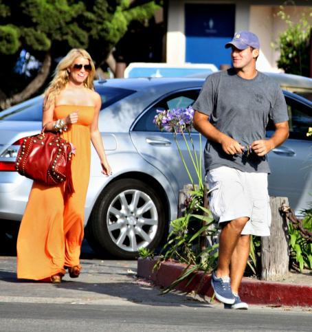 Tony Romo and Jessica Simpson - Jessica Simpson Pays A Surprise Visit To Tony Romo, 2008-07-29