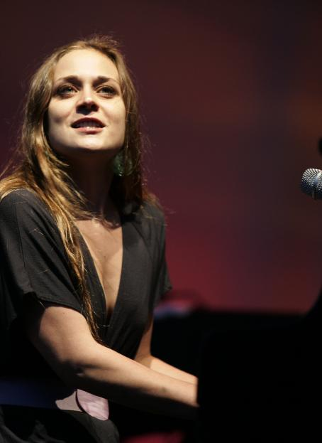 Fiona Apple Performs In Central Park, NYC 26 Jul 2009